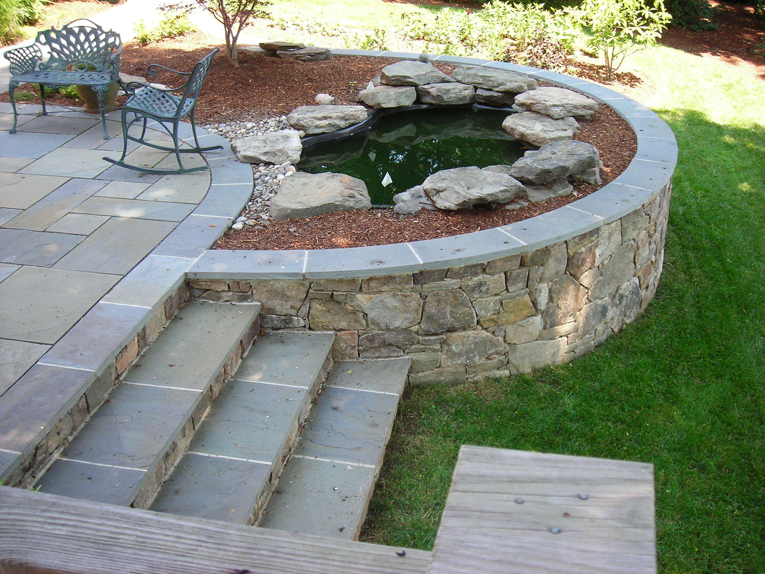 Pavement flagstone for Garden patio wall designs